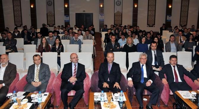 Anayasa Mahkemesi Üyeleri Afyonkarahisar'da Seminer Verdi