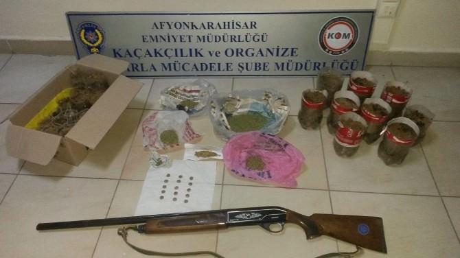 Polisten Esrar Ve Tarihi Eser Operasyonu