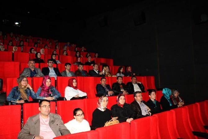 AK Parti Afyonkarahisar Gençlik Kolları Sinemada Buluştu