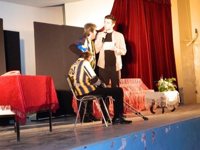 Kozluk'ta Tiyatro Etkinliği Düzenlendi