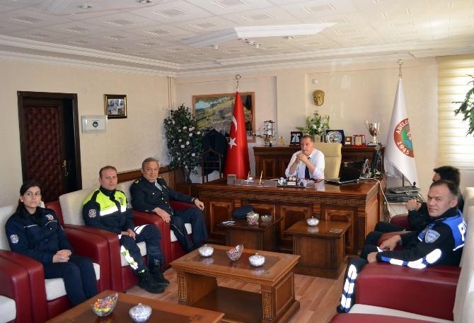 Polislerden Başkan Vekili Boz'a Ziyaret