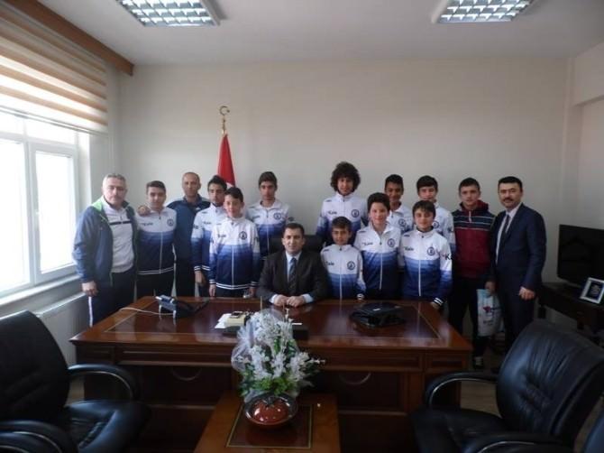 Futsal Takımından Kaymakam Kakillioğlu'na Ziyaret
