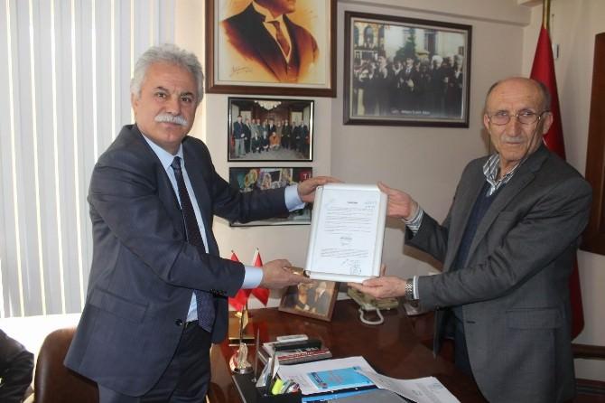CHP Genel Başkanı Kılıçdaroğlu'nun 'Taahhhütname'si Emekli Derneklerine Teslim Edildi