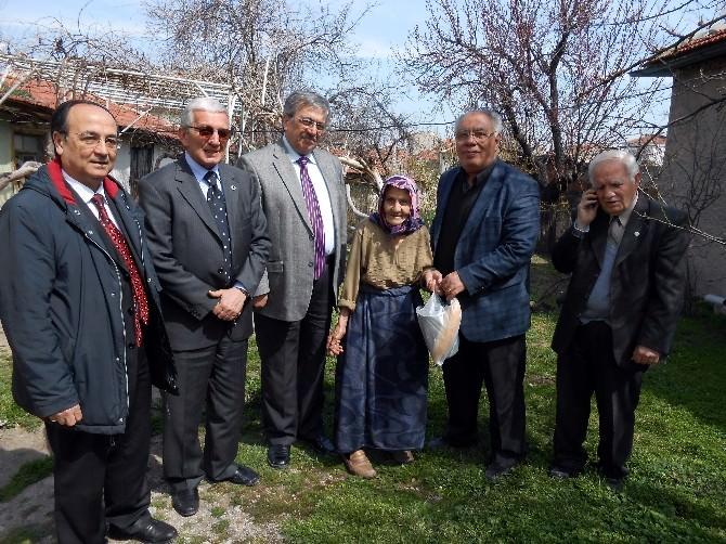 'Yaşlı Yüzlerde Bir Tebessüm Bırak' Kampanyası