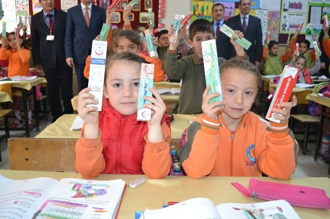 Çerkezköy'de Öğrencilere Ağız Ve Diş Sağlığı Eğitimi Verildi