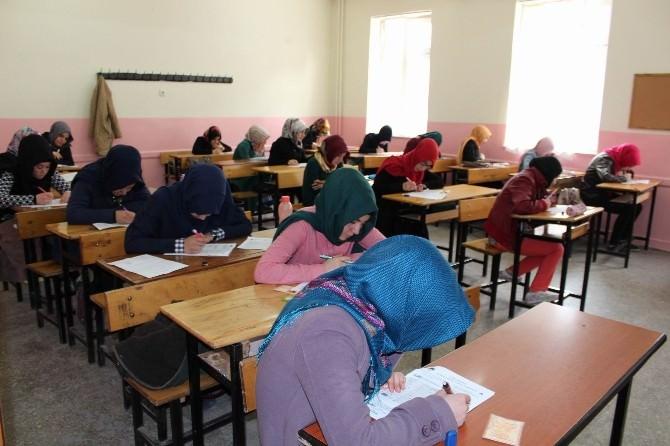 Sivas'ta 'Önce Namaz' Konulu Bilgi Yarışması Yapıldı