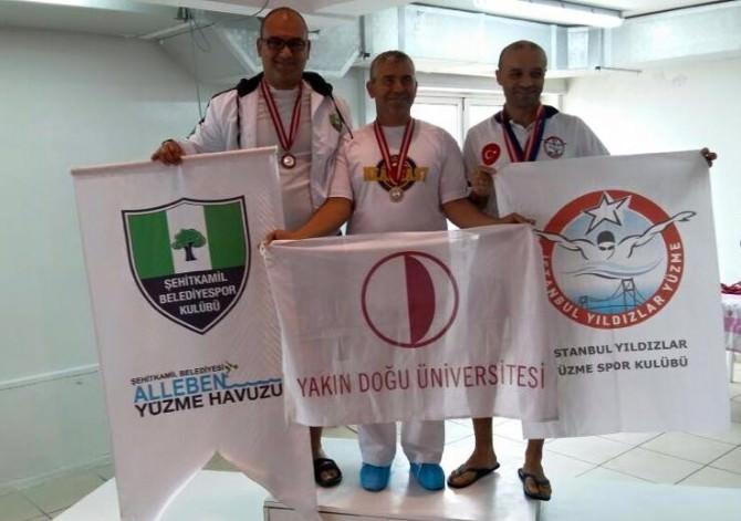 Şehitkamilli Yüzücülerin Havuzda 7'den 70'e Başarısı Sürüyor