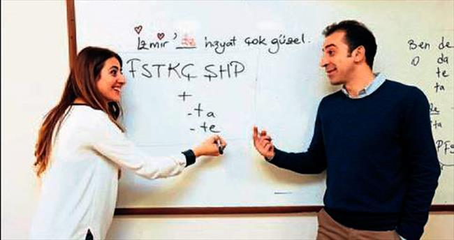 Yabancı hocalar Türkçe öğrenecek