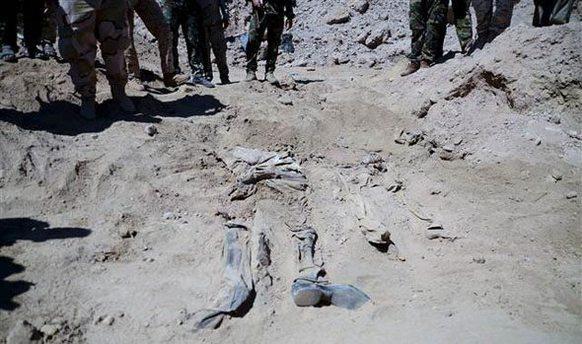 Tikrit'te askerlerin gömüldüğü 12 toplu mezar bulundu