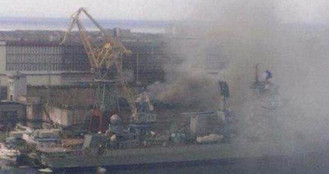 Rusya'da nükleer denizaltı yanıyor