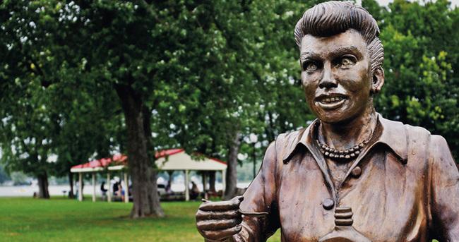 ABD'de çirkin heykel tartışması
