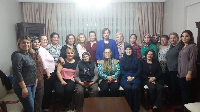 AK Partili Kadınlar Ev Ziyaretlerinde