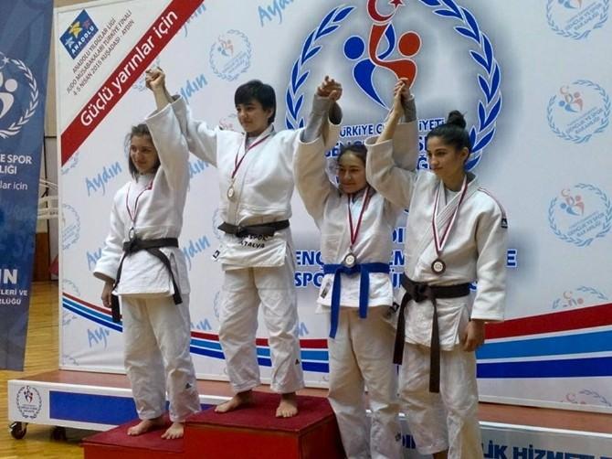 Trabzon Bayan Judo Takımı Türkiye Şampiyonu