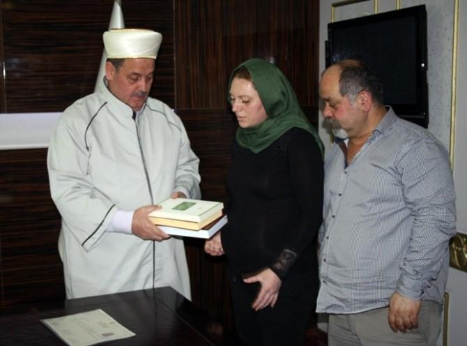Bulgaristanlı Kadın Müslüman Oldu