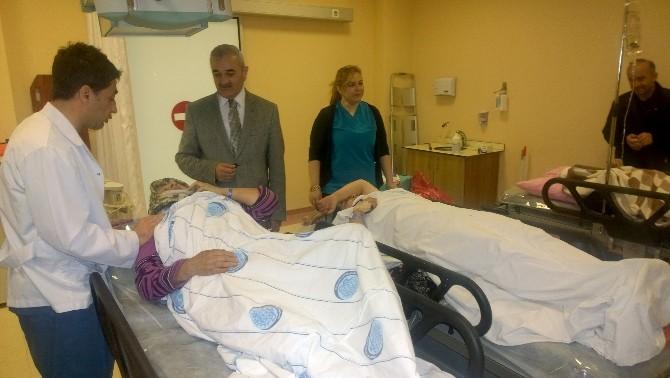 Başkan Karataş'tan Kaza Yapan Tarım İşçilerini Ziyaret Etti