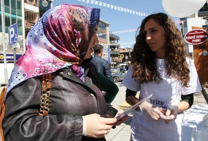 Van'da 'Dünya Otizm Farkındalık Günü' Etkinliği