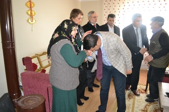 Kapaklı Kaymakamı Gürbüz'den Şehit Ailesine Ziyaret