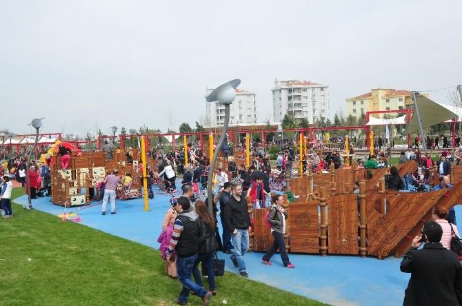 Büyükşehir 16 Bin Kişiyi Atatürk Kent Parkı'na Taşıdı