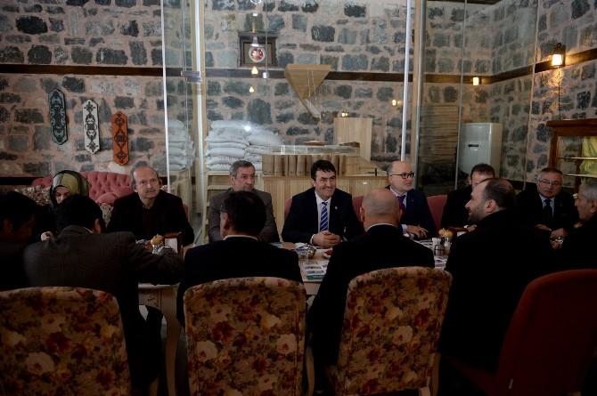 Başkan Dündar Muhtarlarla Bir Araya Geldi