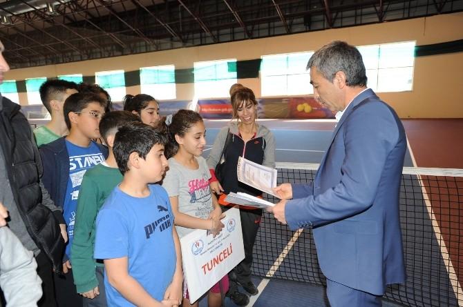 Küçükler Tenis Turnuvası Başladı