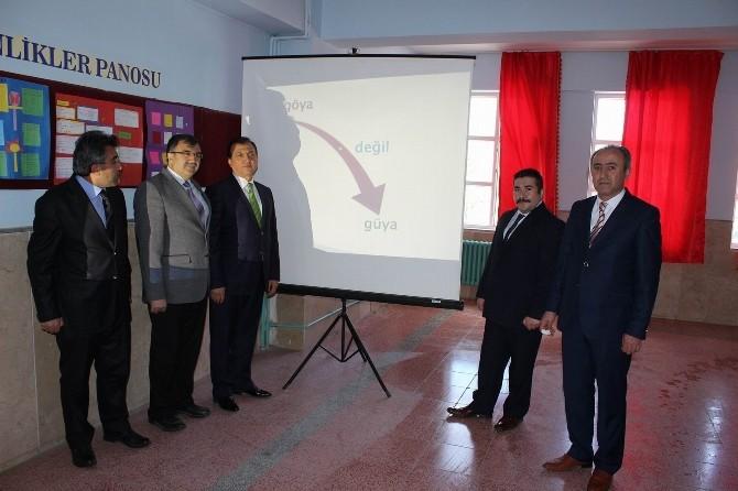 Yıldızeli Atatürk Ortaokulunda Bilgilendirme Köşesi Oluşturuldu