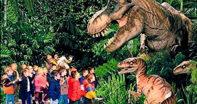 Dinozorlar arasında gezinti