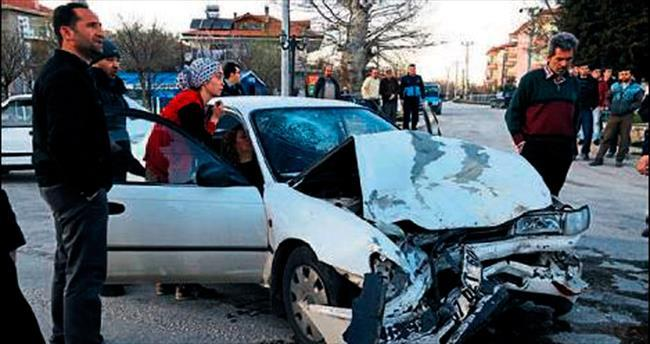 2 ayrı kazada 1 ölü 8 yaralı