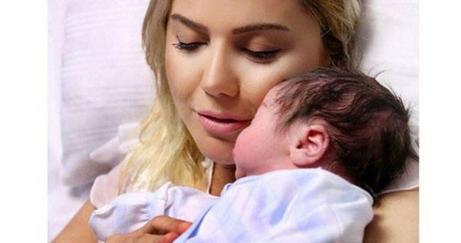 Ece Erken bebeğinin fotoğraflarını paylaştı