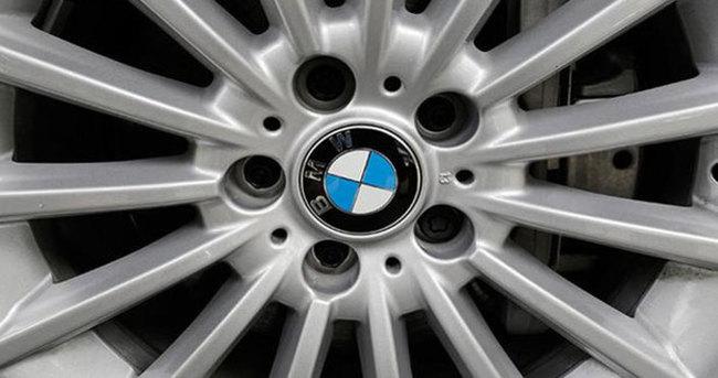 Dev şirket 53 bin aracını toplatıyor!