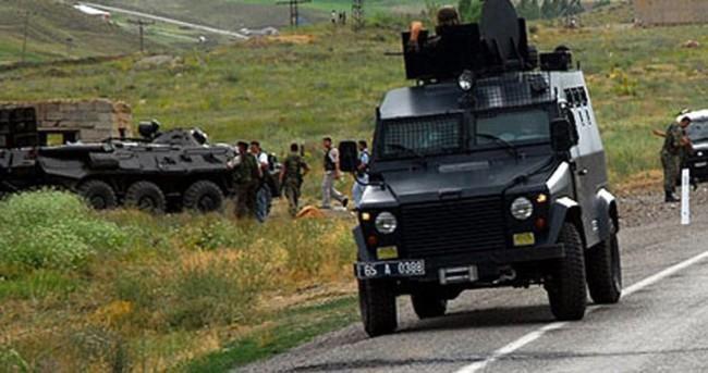 Bingöl'de askeri araç devrildi: Yaralılar var