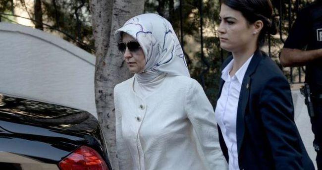 Sare Davutoğlu'ndan taziye ziyareti