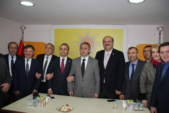AK Parti Bolu Teşkilatında 3-0 Yemini