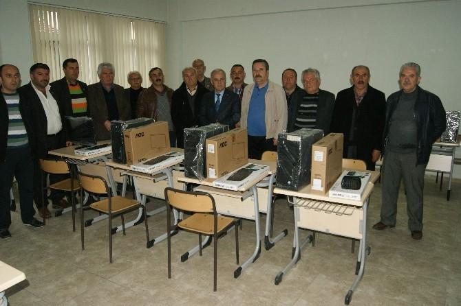 İş Adamından Gümüşhacıköy MYO'ya 25 Bilgisayar