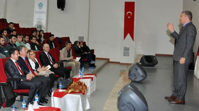 """NEÜ'de """"Bir Turizmcinin Başarı Hikayesi"""" Konferansı Düzenlendi"""