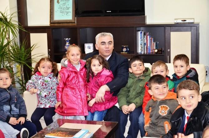 Müdür Kılıç, Çocukları Makamında Konuk Etti
