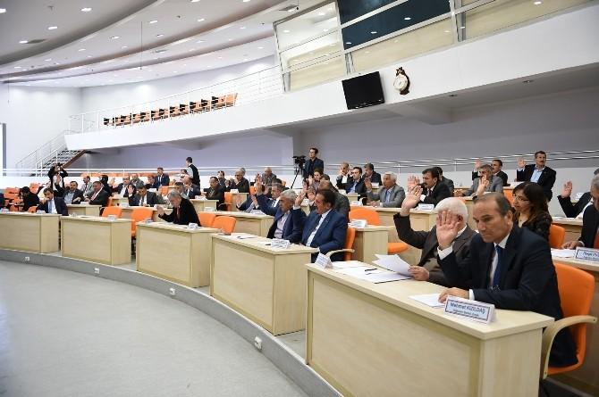 Meclis Toplantısı'nda 2014 Yılı Faaliyet Raporu Kabul Edildi