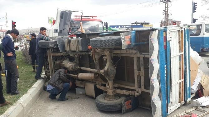 Van'da Trafik Kazası; 1 Yaralı