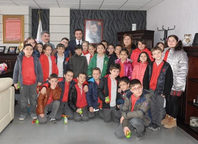 Saffet Şeker İlkokulu Öğrencileri Başkan Bakıcı'yı Ziyaret Etti