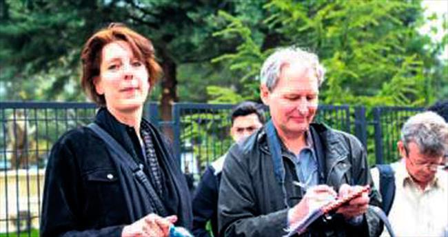 Hollandalı gazeteci hâkim karşısına çıktı