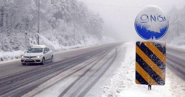 İstanbul-Ankara yolunda kar engeli