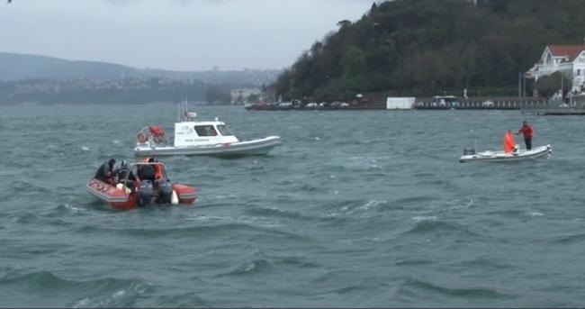 Tarabya'da otomobil denize uçtu