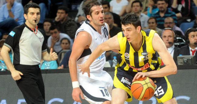 Dev derbi Fenerbahçe'nin oldu