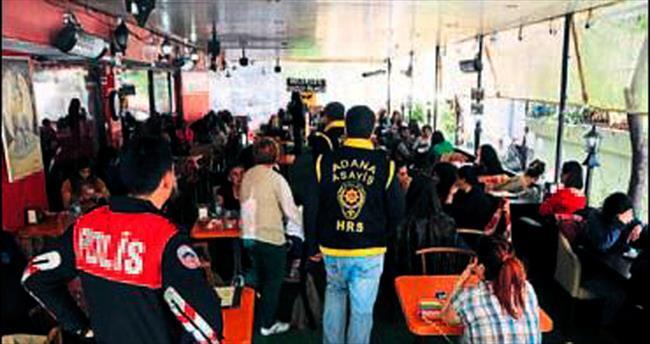 Adana polisinden fal bakılan kafelere baskın