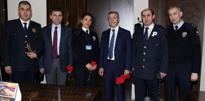 Başkan Tahmazoğlu'ndan Polis Karakollarına Ziyaret