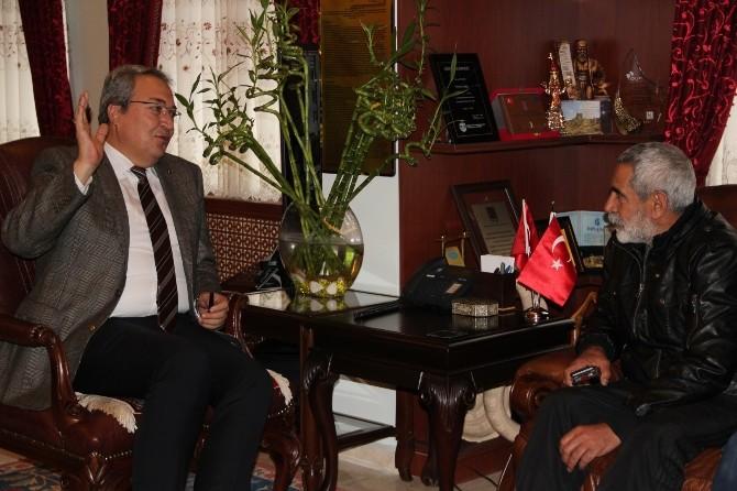 Tiyatro Sanatçısı Turgay Tanülkü, Belediye Başkanı Ünver'i Ziyaret Etti
