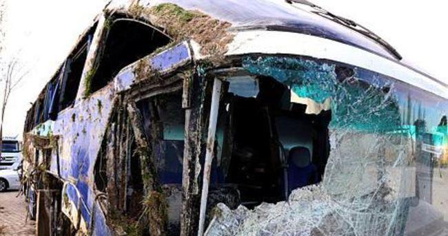 Eskişehir'de yolcu otobüsü devrildi