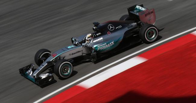 Hamilton üst üste 3. kez pole pozisyonunda