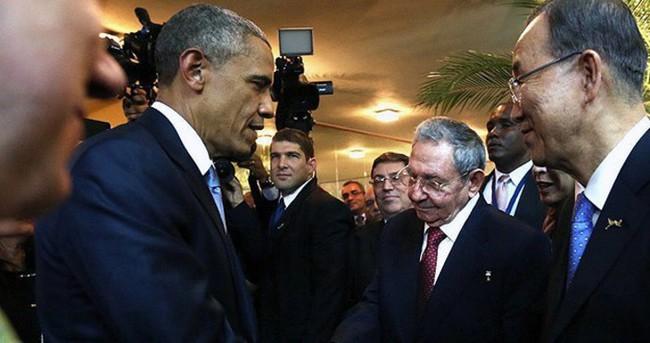 Obama ve Castro ilk kez bir araya geldi