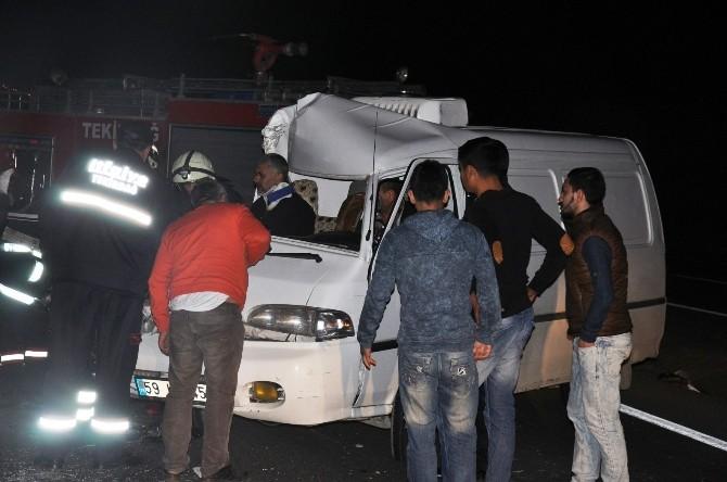 Tekirdağ'da Feci Kaza: 2 Yaralı