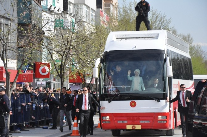 Cumhurbaşkanı Erdoğan, Ziyaretlerde Bulundu